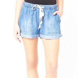 Cloth & Stone Drawstring Cuffed Shorts small